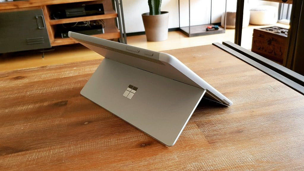 Surface Go Kickstand
